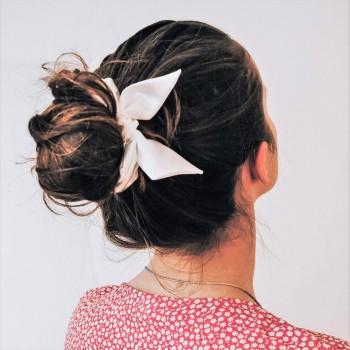 Off-White Bunny Scrunchie - gumka do włosów