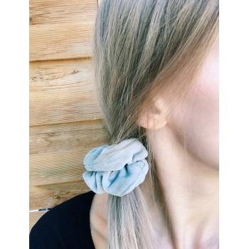 Beige Velvet Scrunchie - gumka do włosów